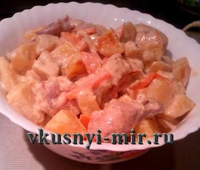 Крылышки запеченные в духовке с картошкой