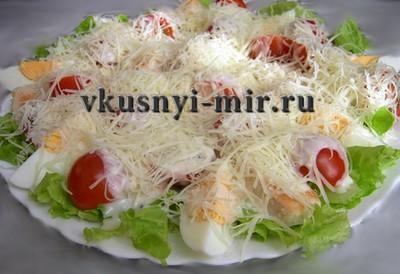 Салат цезарь курицей и помидорами